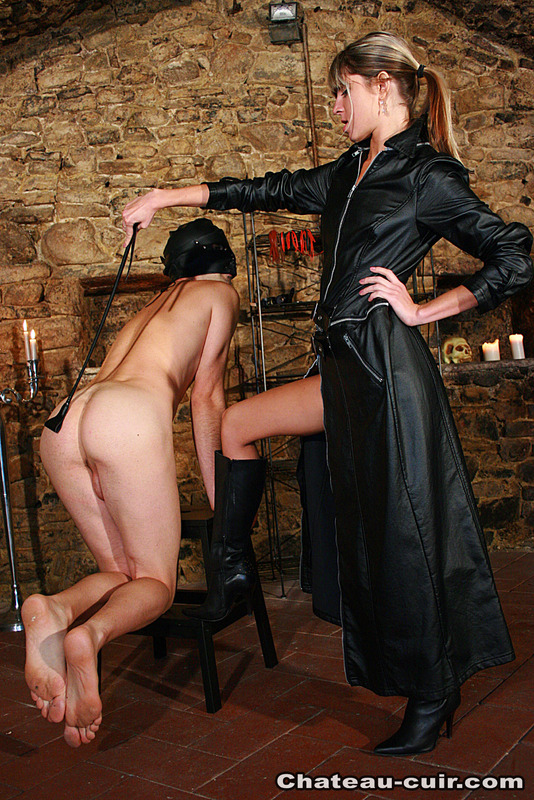 Two slaves for young princess