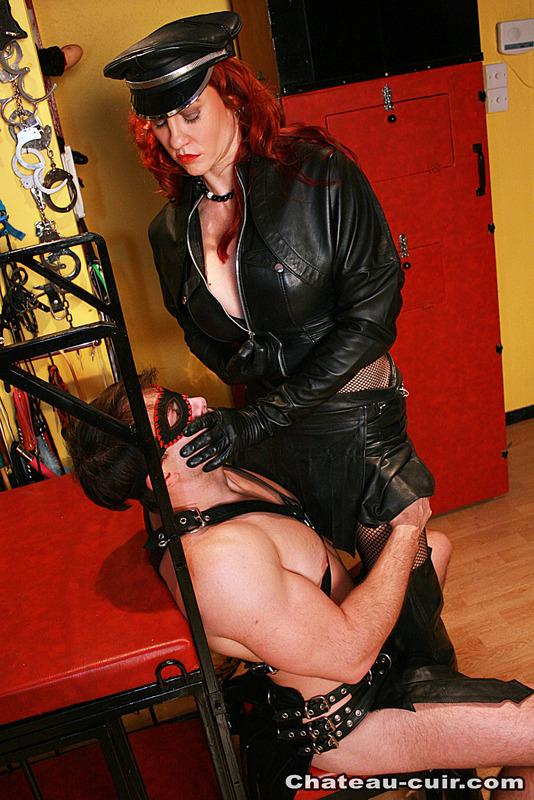 erotikfilmer leather bondage